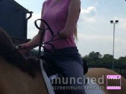 Chloe Streeter missing her left arm below the elbow using Alice Reins